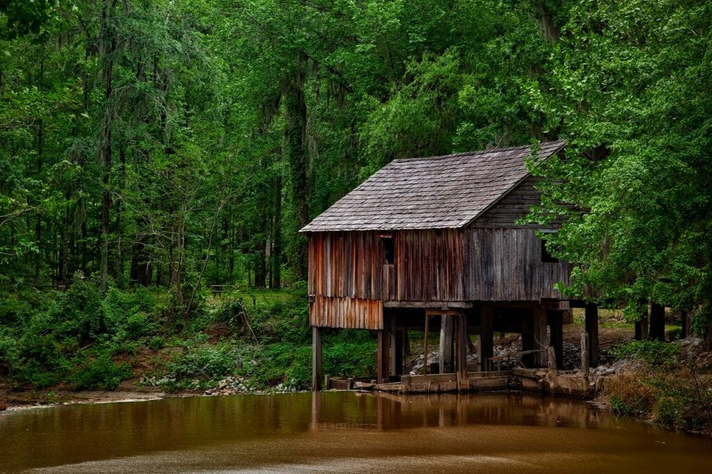 House In The Wood Near Water Best Places To Live In Alabama